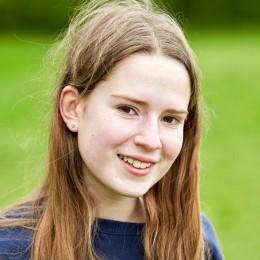 Julia is lid van het Jonge Jury Boekgenootschap