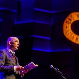 Tommy Wieringa draagt voor op de Dag van de Literatuur 2019